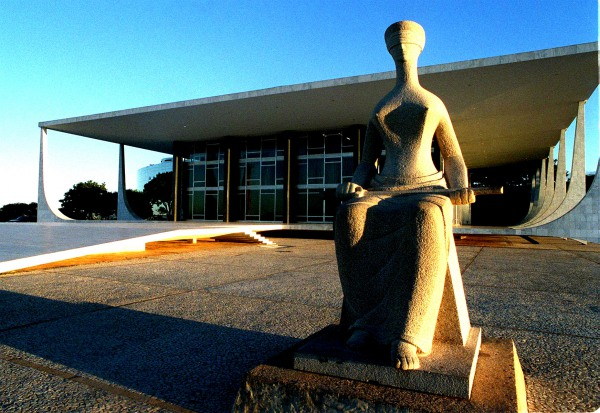 STF decide: é inconstitucional a exigência discriminatória entre homens e mulheres para concessão de pensão