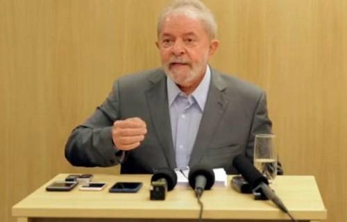Ex-ministro revela que Lula irá se casar assim que sair da prisão