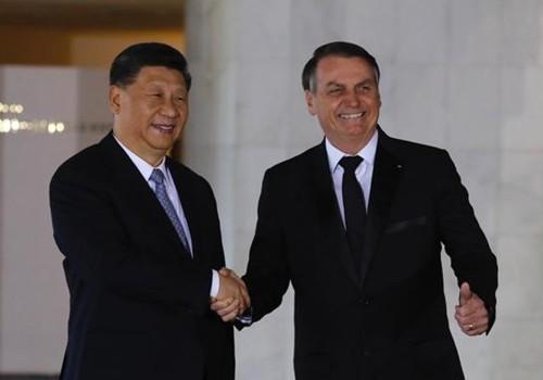 Bolsonaro recebe presidente da China no âmbito da reunião dos Brics