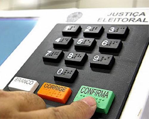 Câmara aprova PEC que adia para novembro eleições de 2020