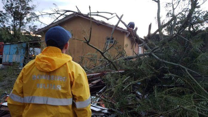 Sobe para dez número de mortes causadas pelo 'ciclone bomba' no Sul do Brasil